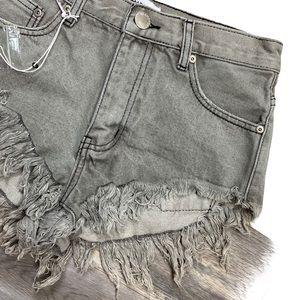 3/$99 🍯 Glamorous Jean Shorts Frayed Hem Size S